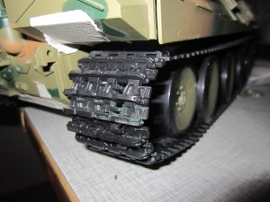 larvband monterat på pansarvagn
