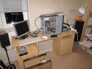 Bild på mitt skrivbord taget med min canon digital ixus 120IS