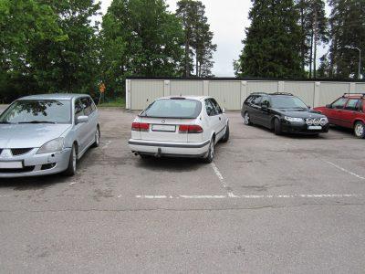 Felparkerad Saab
